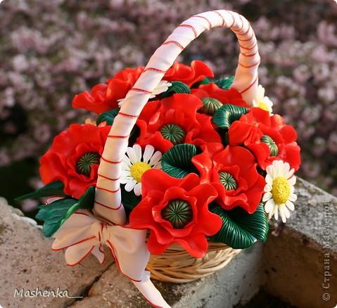 Давно мечталось о маках... Такие красивые цветы, просто огненные. Ну и несколько ромашек, чтоб подчеркнуть яркий красный. фото 1