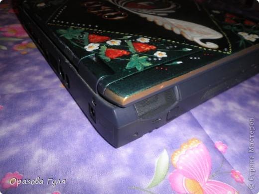 Ноутбук с гербом и стразами. В работе использовала акриловые краски, гуаш, стразы, контуры и лак. фото 8
