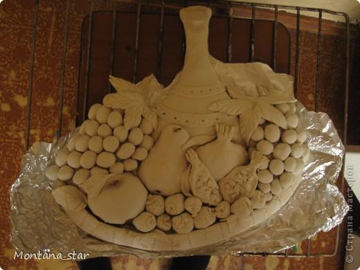 Натюрморт. Фрукты в соломенной вазе. Соленое тесто фото 2