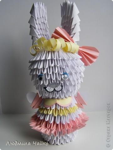 Мой дебют в технике модульное оригами. Фантазии пока маловато поэтому подражаю поделкам других авторов.