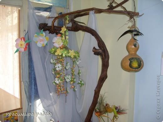 В Детската градина ,в която работя подготвяме украса по повод празници, тържества и за всички сезони. Предоставям на вашето внимание Великденската ни украса. Тя е дело на всички колежки. фото 10