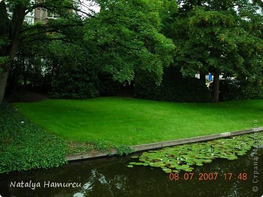 Здравствуйте жители и гости моей любимой Страны Мастеров! Приглашаю Вас всех на прогулку по Голландии. Все фотографии сделаны мною лично в 2007 году. Их более 600, и я решила отобрать некоторые, сделать репортаж и показать его Вам. Буду надеяться, что Вам понравится!   фото 39