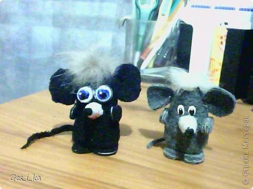 выкладываю МК по мышке от Машки, только у меня не было серой ткани, поэтому мышка черная фото 28
