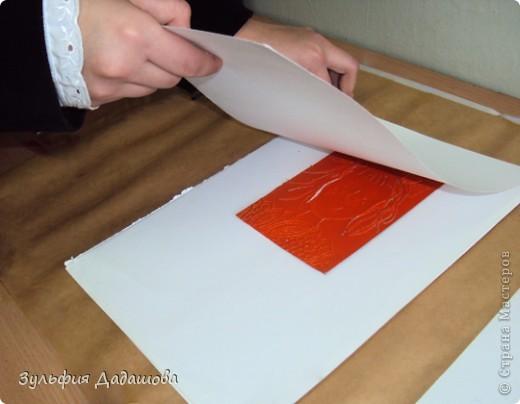 Детям нравится эта техника. Работы мы делаем небольшие - 1/4 или 1/2 формата А4. Печатаем на белой или тонированной бумаге, также можно делать подцветку акварельными красками. Работы детей 8 -10 лет. фото 14