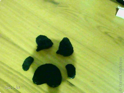 выкладываю МК по мышке от Машки, только у меня не было серой ткани, поэтому мышка черная фото 6
