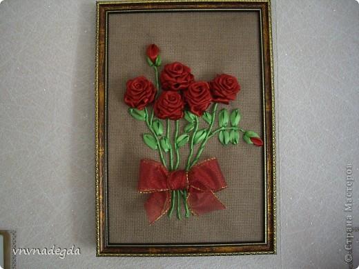 Вот такие пасхальные розы вышила подруге на светлый праздник Воскресения Христова. фото 1