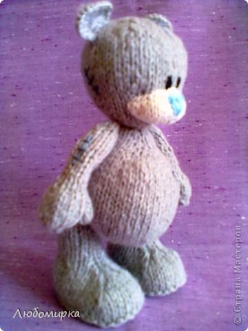 Увидела в интернете описание мишки Теддика связанного спицами (www.liveinternet.ru/users/tanyushkas/post156279397) и не смогла устоять..захотела себе такого же. связала на одном дыхании...вроде получился мишенька))) фото 2