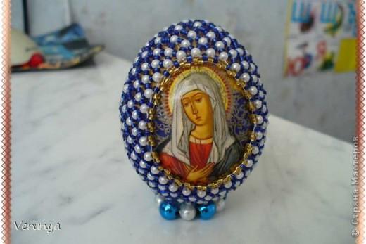 Подарок тётушке. Увидела в интернете, как украсить лентами и бисером яйцо к Пасхе. фото 6