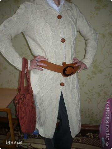 Ну вот наконец то сфоткала... Пальто связано уже как несколько месяцев, но все никак не могла похвалиться. фото 1
