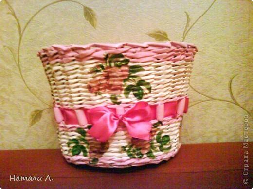 бумага журнальная, макароны, краска акриловая белая и розовая, декупаж салфетка, пва, лак акриловый, лента фото 6