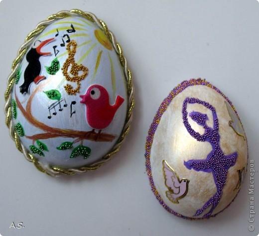 Такие яички-магниты мы с дочкой сделали на Пасху в подарок родственникам, друзьям, преподавателям фото 1
