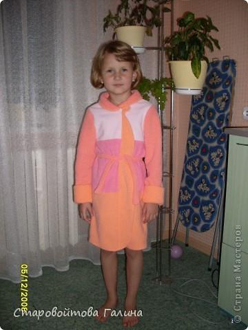 Вот  такое  платье  я  сшила  своей  дочери  на  выпускной  в  детский  сад фото 5