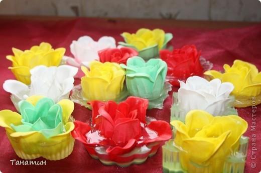 Мыльные розы залиты основой.(Мыльные розы покупала) фото 1