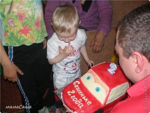 Попросили сделать ярко-красную машину малышу на день рождения. Вот какая получилась! фото 4