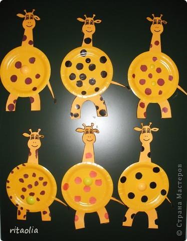 Вот такие жирафики появились этим солнечным днем :))) Идею создания таких животных подглядели на  http://ejka.ru/blog/podelki/789.html.  А мордочки позаимствовали здесь: http://stranamasterov.ru/node/137306 фото 1