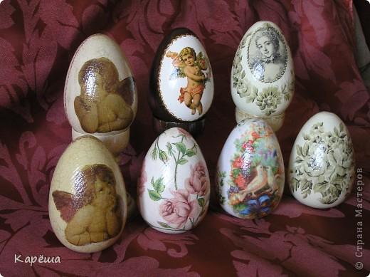 Здравствуйте, дорогие Мастерицы!!! Наконец-то немного доделались мои пасхальные яйца, конечно, ножки будут у всех яиц, просто сейчас времени не хватает их доделать.  фото 2