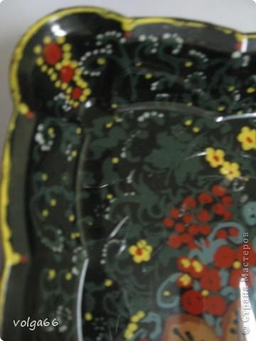 Получилась обратная роспись, если можно так сказать. Рисовать я не умею, подложила распечатку. На ягодах рисовала сначала желтые блики, потом саму ягоду.  фото 3