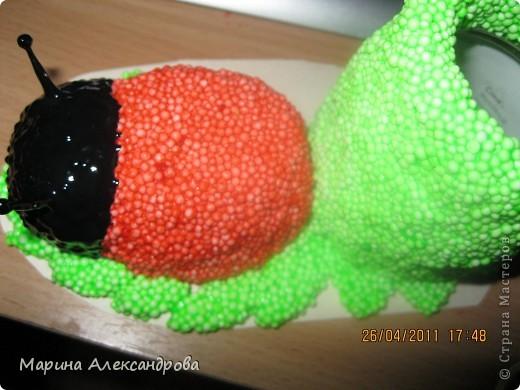 Божья коровка-карандашница №2 из шарикового пластилина! фото 9