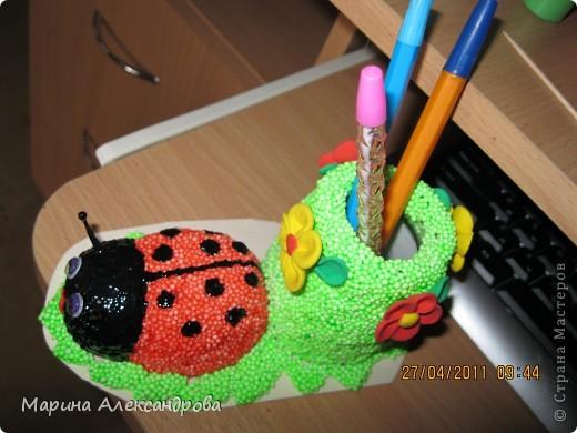 Божья коровка-карандашница №2 из шарикового пластилина! фото 3