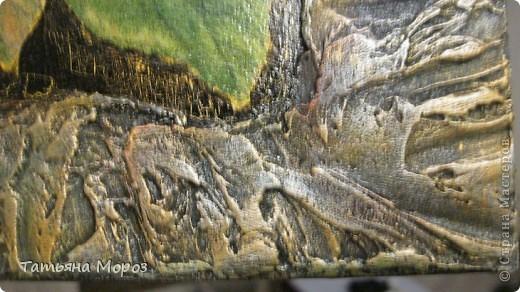 Предполагала изначально просто картина, безо всяческих тюнингов, потому что уж очень яркая салфеточки, боялась переберщить. В процессе работы изменилось все.... Фон стал черным (изначально был бледно-бледно-бледно желтенький), в салфетке все было красиво, когда легло на основу, стало совсем бледненько...  фото 7
