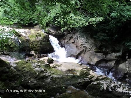 Минеральный источник в селе Мархяул (абх. Мархь-аул или Мерхеул). Из центра Сухума до Мерхеульского источника всего 30 минут на автомобиле.  Слабоминирализованая вода источника считается целебной. фото 17