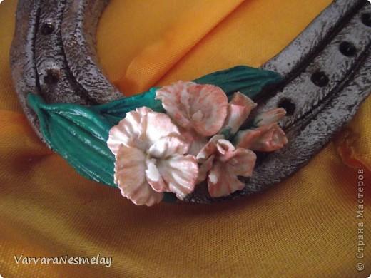 Моя самая первая подковка!!! Делала для мамы подруги, женщины с безграничной душой и сердцем!!!! Гладиолусы ее любимые цветы.  фото 3