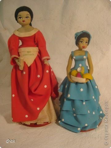 Увидела недавно на сайте кукол из холодного фарфора и решила показать свою небольшую  коллекцию кукол из разных матерьялов , купленных мною в разных странах   , может кому пригодится в качестве идей к творчеству. Эти красотки слеплены по - моему из холодного фарфора , в Доминиканской республике фото 1