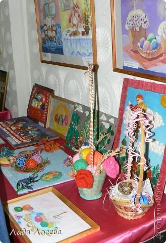 В нашем городе прошло открытие пасхальной выставки. Были представлены рисунки и поделки маленьких и взрослых мастеров. Разнообразие техник и материалов, красочность работ восхищает. фото 12
