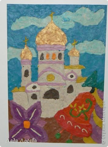 В нашем городе прошло открытие пасхальной выставки. Были представлены рисунки и поделки маленьких и взрослых мастеров. Разнообразие техник и материалов, красочность работ восхищает. фото 30