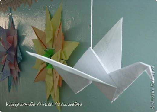 Мы решили в школе провести выставку поделок в стиле Оригами в память о трагических событиях в Японии. Получилось, по-моему, здорово! Бычок, выполненный Женей. фото 4
