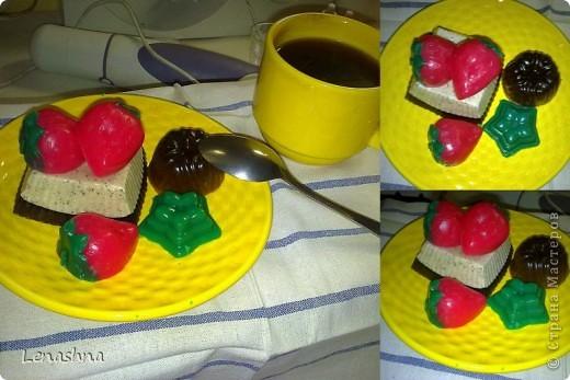 мыльная пироженка. заказали в подарок на день рождения  фото 2