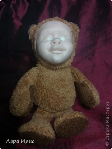 Хочу рассказать как сделать такую куклу за один вечер. В работе использовалась пластика Фимо, старенький плюшевый мишка, акриловые краски. фото 19
