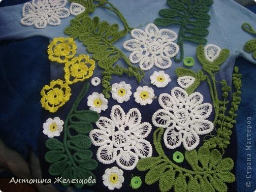 Чтобы получить такой цветок, сначала вяжется шнур-гусеничка из х/б пряжи. фото 19