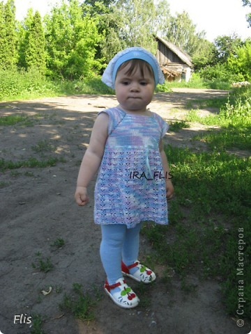 Платье-туника на девочку 1-1,5 лет. Вязала из Тулипа, нитки сложные в вязании, но очень понравились в носке и приятные к телу. фото 2