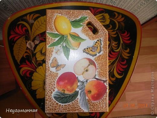 Деревянная доска, акрил, яичная скорлупа, салфетки, лак. фото 2