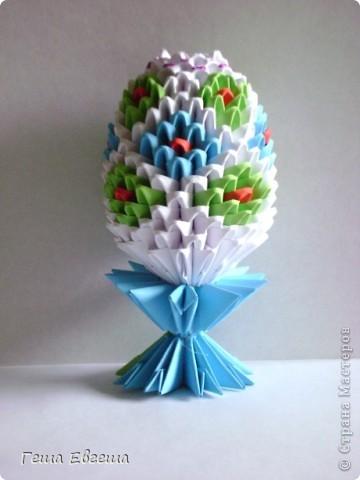 Огромное спасибо за вдохновение и подробный МК Евгении Пирютко. Её МК оказался как нельзя кстати.    Это мое первое яйцо (хотя больше похоже на шишку), прошу прощения за качество фото, но другого нет яйцо ушло на подарок. (Потратила на него от начала до конца больше недели) фото 3