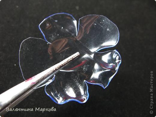 Представляю Вашему вниманию МК по изготовлению маков из...пластиковых бутылок. Такие маки были представлены           http://stranamasterov.ru/node/187529   Приступим?  фото 4
