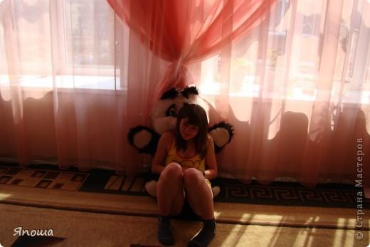 В этот раз мы работали с одной семьей (группа детей в ДД называется семья). Детки постарше в этой семье. Детям была дана тема: город-герой Новороссийск. вот сидим выбираем, что можно использовать из того, что приготовила воспитательница и что принесли мы с собой. а принесли мы много. Дети были очень рады:) фото 13