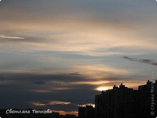 """Насмотревшись на сайте фото с видами неба,я вдохновилась и решила показать вам """"""""моё""""""""личное небо-тем более никуда ходить для этого не нужно было.Это вид из окна.Ещё видно море,но сейчас идёт стройка к саммиту А.Т.Р. поэтому пока не показываю.Итак-Владивосток,бухта Тихая-добро пожаловать! фото 6"""