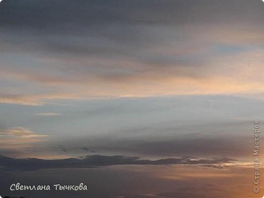 """Насмотревшись на сайте фото с видами неба,я вдохновилась и решила показать вам """"""""моё""""""""личное небо-тем более никуда ходить для этого не нужно было.Это вид из окна.Ещё видно море,но сейчас идёт стройка к саммиту А.Т.Р. поэтому пока не показываю.Итак-Владивосток,бухта Тихая-добро пожаловать! фото 1"""