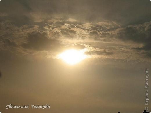 """Насмотревшись на сайте фото с видами неба,я вдохновилась и решила показать вам """"""""моё""""""""личное небо-тем более никуда ходить для этого не нужно было.Это вид из окна.Ещё видно море,но сейчас идёт стройка к саммиту А.Т.Р. поэтому пока не показываю.Итак-Владивосток,бухта Тихая-добро пожаловать! фото 11"""