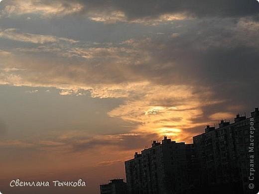 """Насмотревшись на сайте фото с видами неба,я вдохновилась и решила показать вам """"""""моё""""""""личное небо-тем более никуда ходить для этого не нужно было.Это вид из окна.Ещё видно море,но сейчас идёт стройка к саммиту А.Т.Р. поэтому пока не показываю.Итак-Владивосток,бухта Тихая-добро пожаловать! фото 15"""