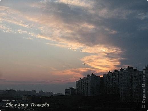"""Насмотревшись на сайте фото с видами неба,я вдохновилась и решила показать вам """"""""моё""""""""личное небо-тем более никуда ходить для этого не нужно было.Это вид из окна.Ещё видно море,но сейчас идёт стройка к саммиту А.Т.Р. поэтому пока не показываю.Итак-Владивосток,бухта Тихая-добро пожаловать! фото 18"""