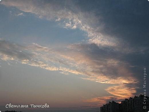 """Насмотревшись на сайте фото с видами неба,я вдохновилась и решила показать вам """"""""моё""""""""личное небо-тем более никуда ходить для этого не нужно было.Это вид из окна.Ещё видно море,но сейчас идёт стройка к саммиту А.Т.Р. поэтому пока не показываю.Итак-Владивосток,бухта Тихая-добро пожаловать! фото 22"""