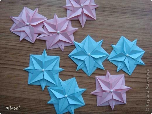 """Готовлюсь к занятиям кружка """"Оригами"""". Тема """"Орнаменты"""". Чтобы заинтересовать, стараюсь сделать образцы. Вот что у меня получилось сегодня. Это орнамент """"Иллюзия"""". Делала по книге Т.Сержантовой """"100 праздничных моделей оригами"""". Выглядит красиво, но уж очень много слоев. Ведь этот орнамент из 20 модулей. фото 8"""