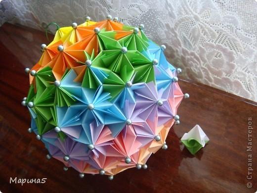 Ура!!!! Я это сделала!!! Я закончила штудирование книги Unit Origami Fantasy. Эта кусдама моя гордость, состоит из 270! модулей Муравьинный лев, стр.152-154 фото 3
