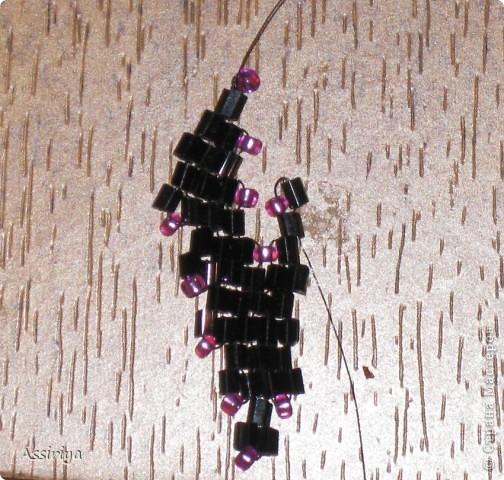 Такой листик является элементом многих украшений из бисера. Например колье http://stranamasterov.ru/node/175839 и брошь http://stranamasterov.ru/node/175196 Заранее извиняюсь, некоторые фотографии получились не очень четкими фото 20