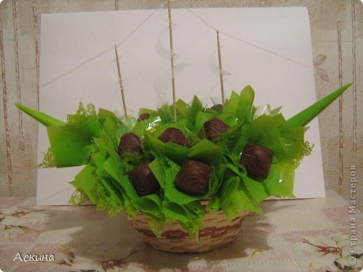 Корабль из конфет на день рождения мужа. Много идей тут http://club.osinka.ru/topic-55757?p=2277397#2277397 фото 3