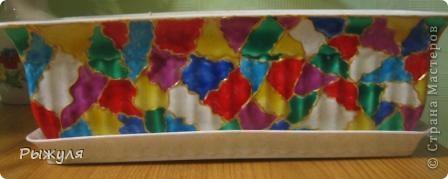 Украсила цветочный горшок витражными красками, вживую ещё красивее. фото 2