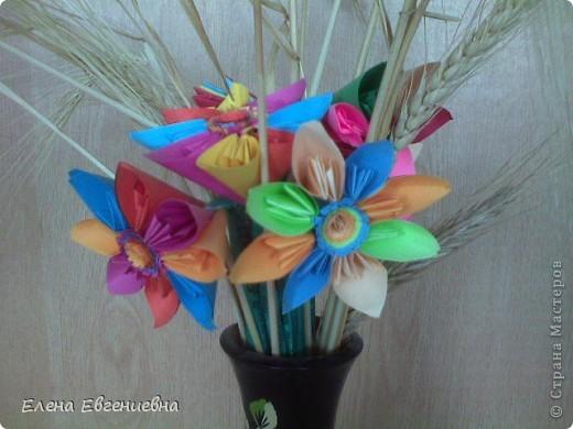 Алина для своей мамы сделала такие цветы. фото 2